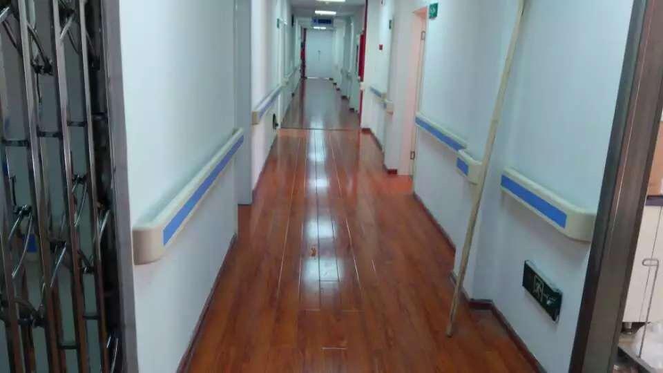 【贵阳】地矿医院的漂亮走廊扶手回图