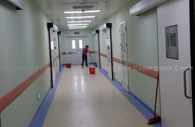【沈阳】兴齐眼药股份有限公司安装125防撞护墙板,老客户的再一次合作