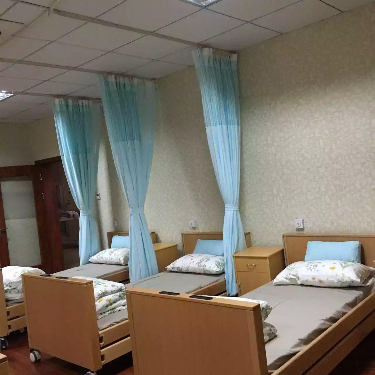 【福建】根据实际情况订做隔帘轨道和病房隔帘布