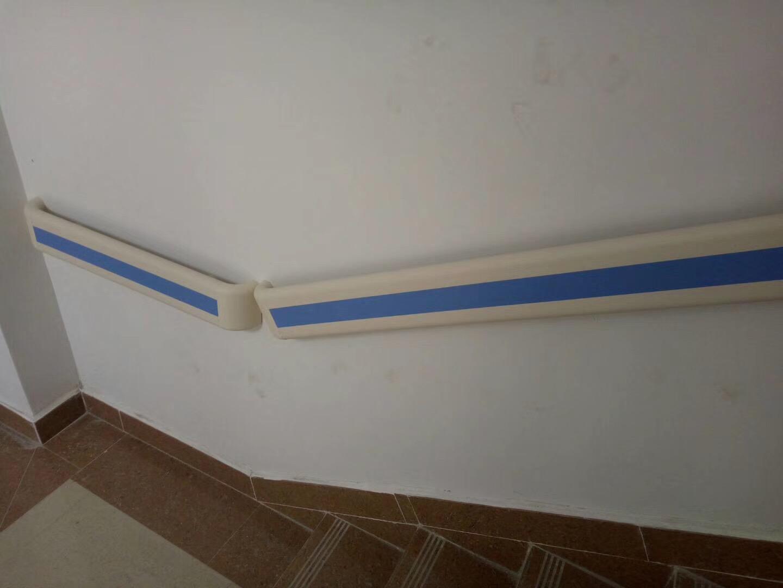 【新疆伊宁】2000多米的PVC防撞扶手刚刚安装完工