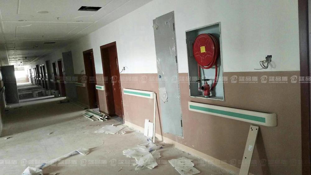医院用的防撞扶手哪家好呢?云南昭通市中医院选择了这家的