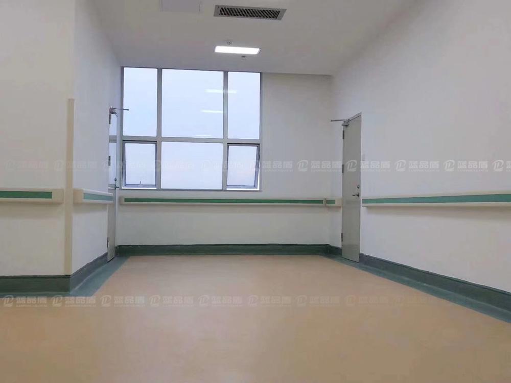 【广州】广安医院--蓝品盾走廊扶手安装实例