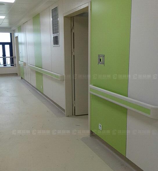 【福建】厦门华厦眼科医院里的防撞扶手是蓝品盾供货的