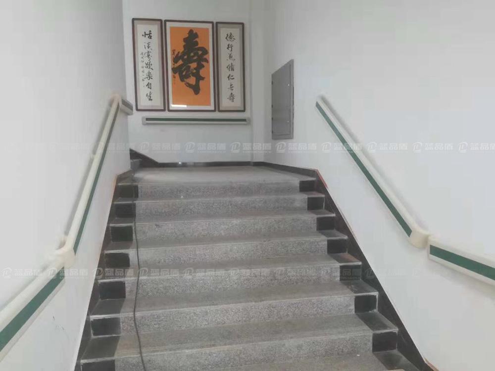 【陕西】西安鄂邑区甘河镇围棋寨幸福院里的走廊扶手完工啦