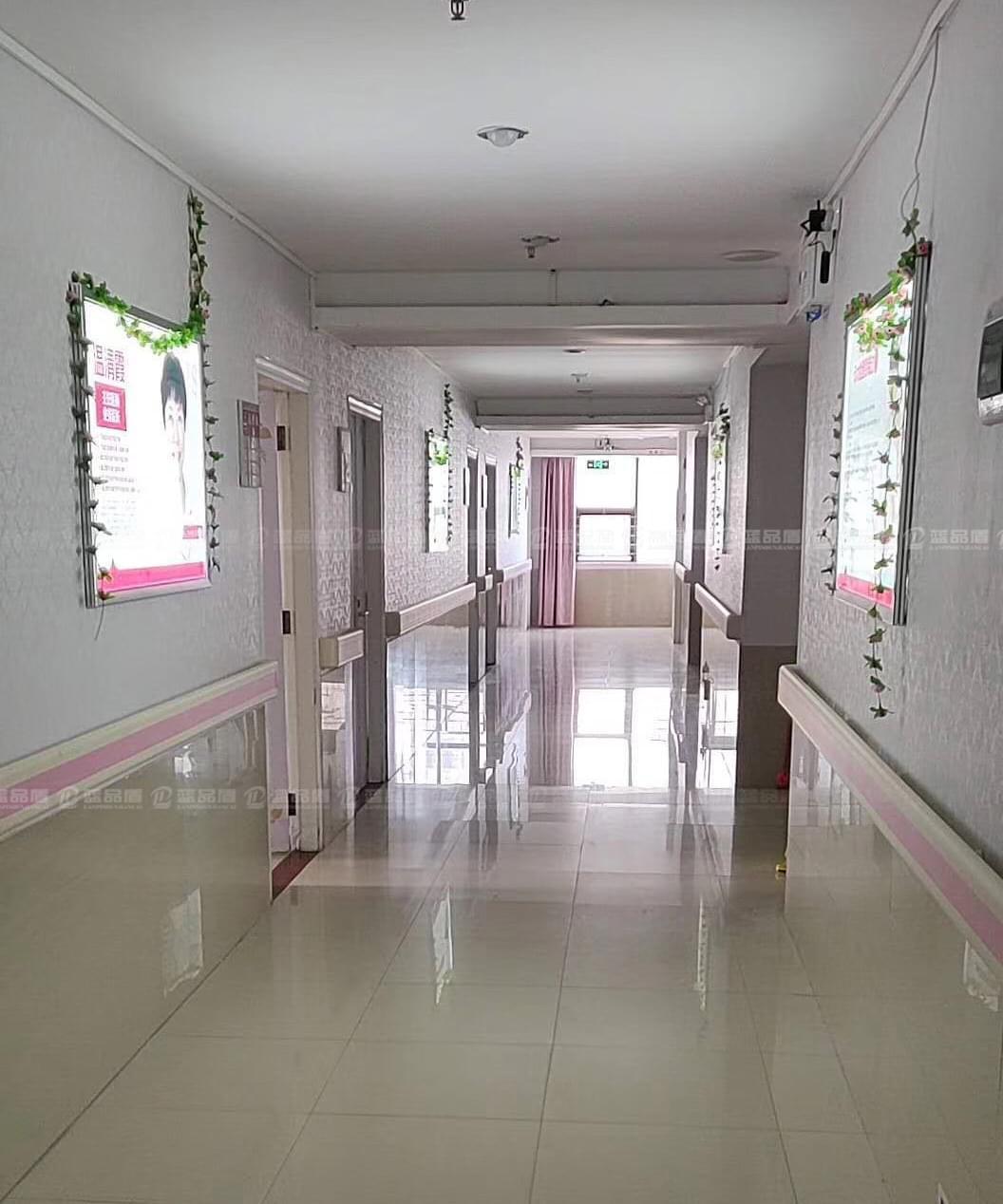 【湛江】和家宝妇产医院不同区域搭配不同颜色的PVC扶手