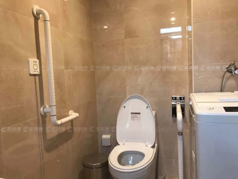 这么棒的养老中心卫生间扶手现场安装效果图,您不来看看吗?
