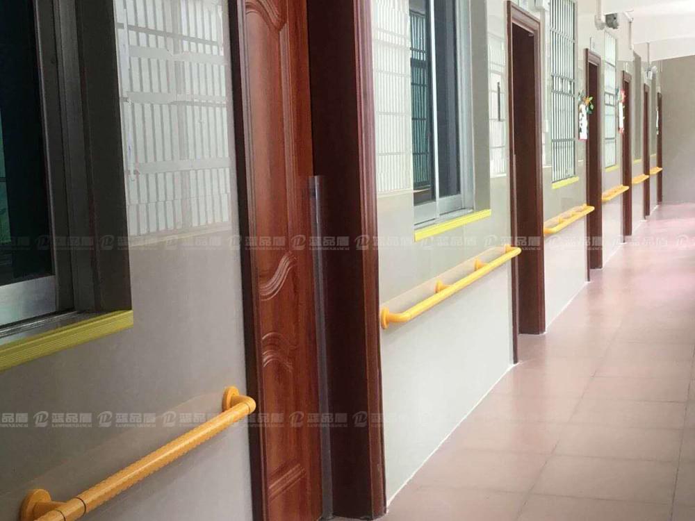 【乌鲁木齐】尼龙走道扶手到广州蓝品盾厂家选购,很是方便快捷