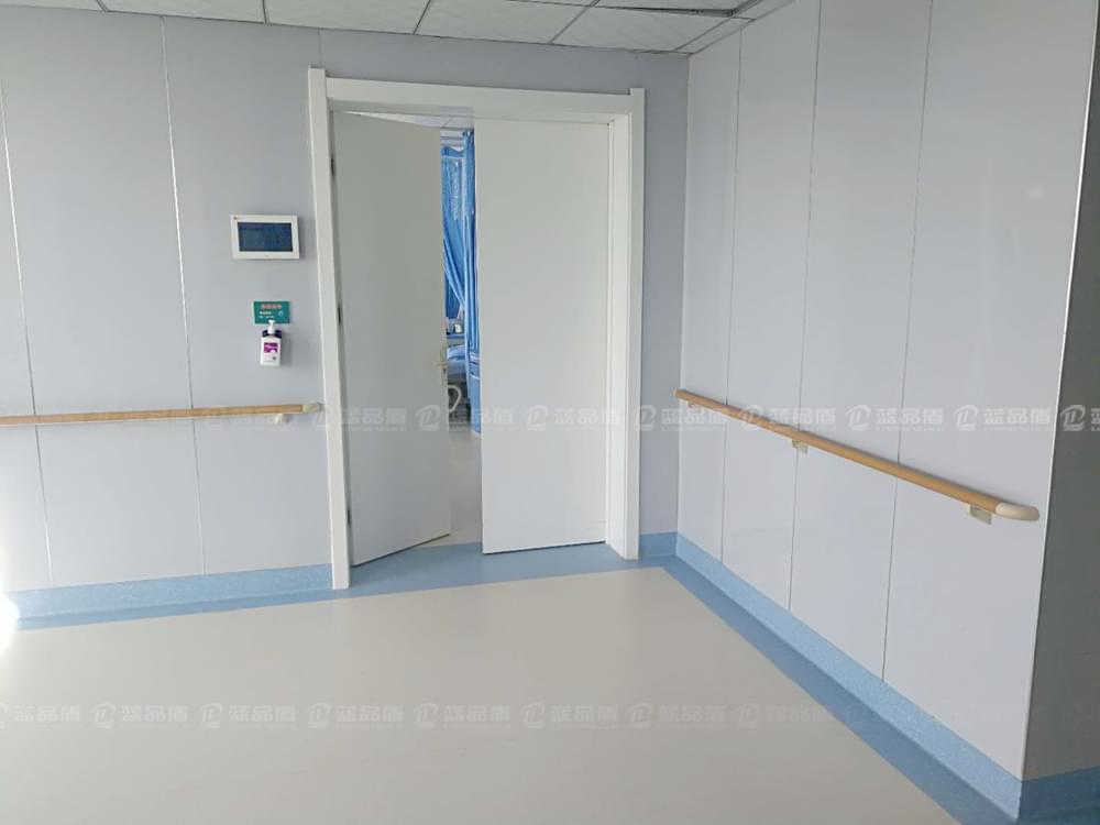 【甘肃】白银市第三人民医院38款走廊扶手的现场图