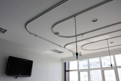 【广西】百色市人民医院里的输液吊杆和PVC扶手都是蓝品盾家的哦