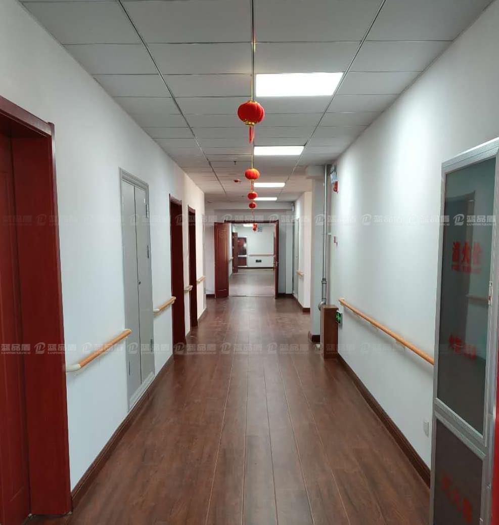 山东潍坊李家庄幸福公寓走道扶手、卫生间扶手