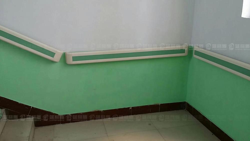 小小卫生院也要人性化-河南禹州小吕乡卫生院防撞扶手的安装