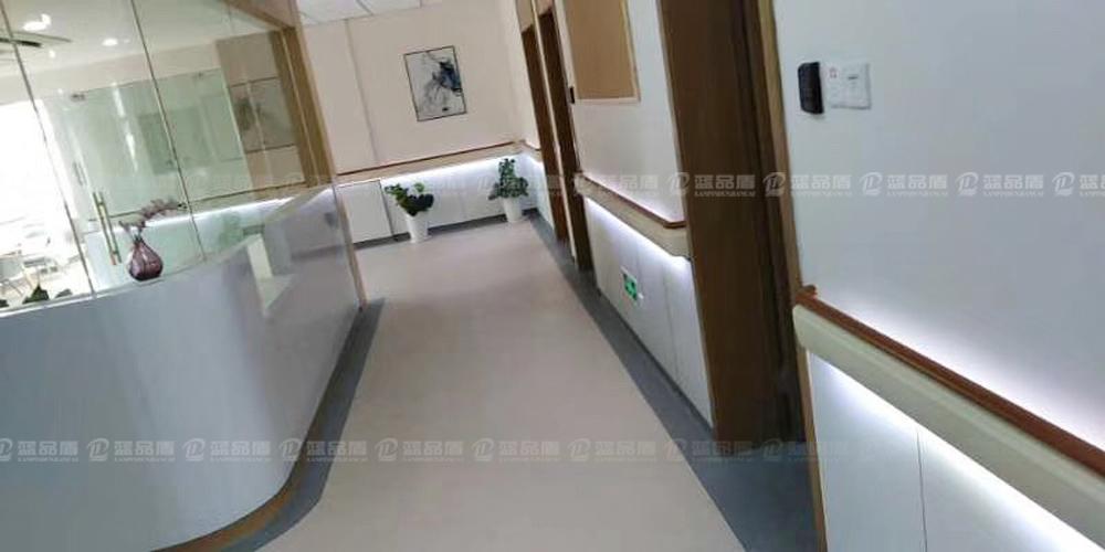 【定制】上海华漕医院pvc扶手是带灯带的