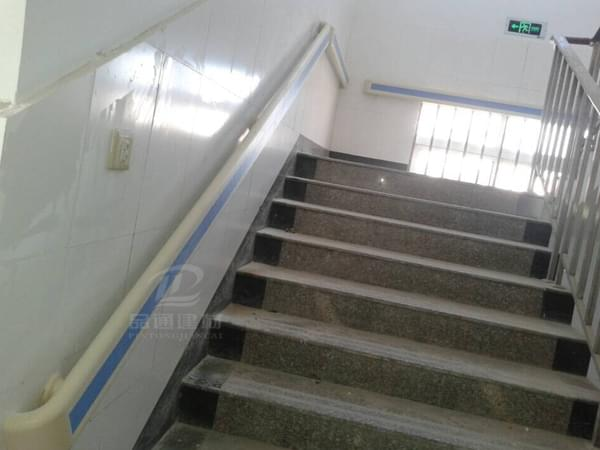 【云南】文山州医院项目安装防撞扶手--第二次的合作